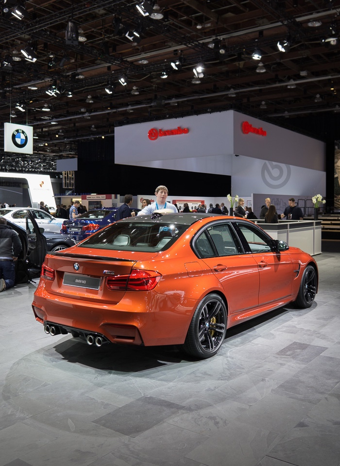 bmw m3 f80 in sakhir orange mit bmw m performance zubeh r. Black Bedroom Furniture Sets. Home Design Ideas