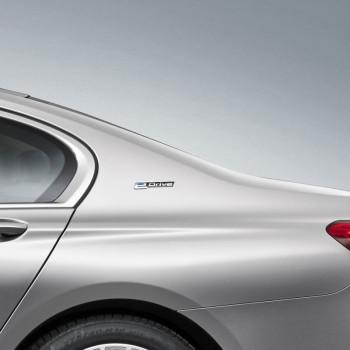 BMW 740e iPerformance (G11) - Detail - C-Säule, eDrive Label