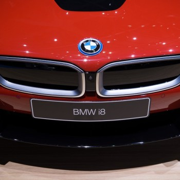 BMW i8 Protonic Red Edition - Live in Geneva