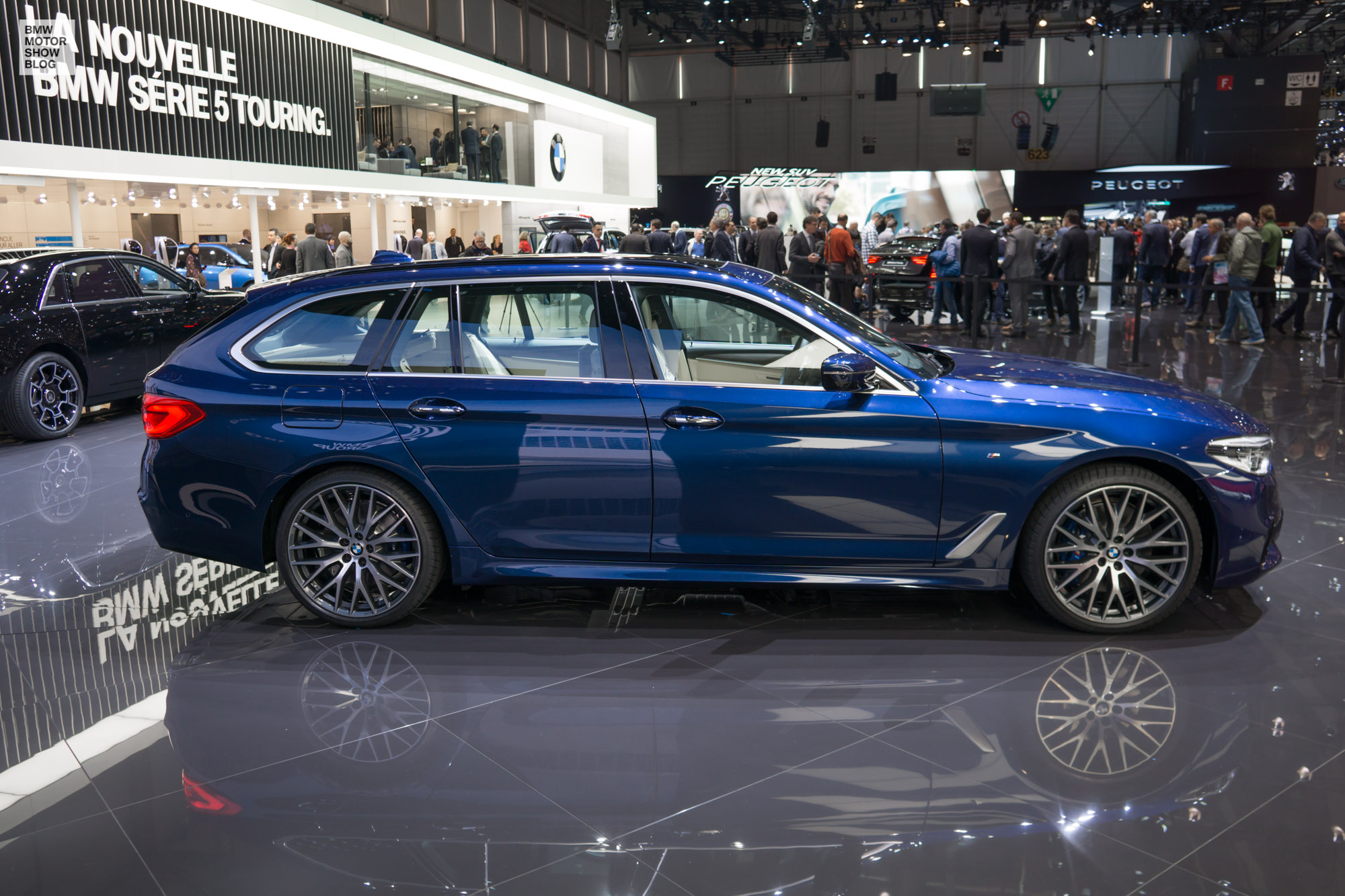 live from geneva first pictures of the bmw 5 series touring. Black Bedroom Furniture Sets. Home Design Ideas