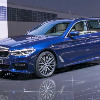 BMW 5 Series Touring - Live in Genf