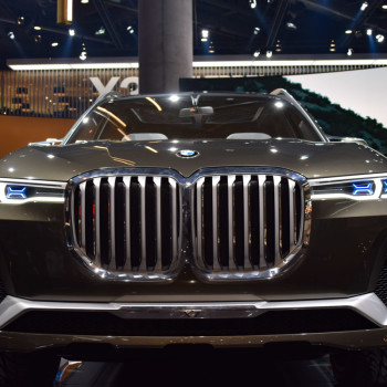 BMW-Concept-X7-Live-IAA-2017-4
