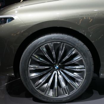 BMW-Concept-X7-Live-IAA-2017-6
