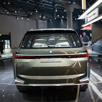 BMW-Concept-X7-Live-IAA-2017-9