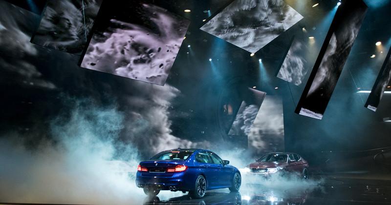 BMW Highlight-Show im Video: Spektakuläre Inszenierung zur IAA 2017