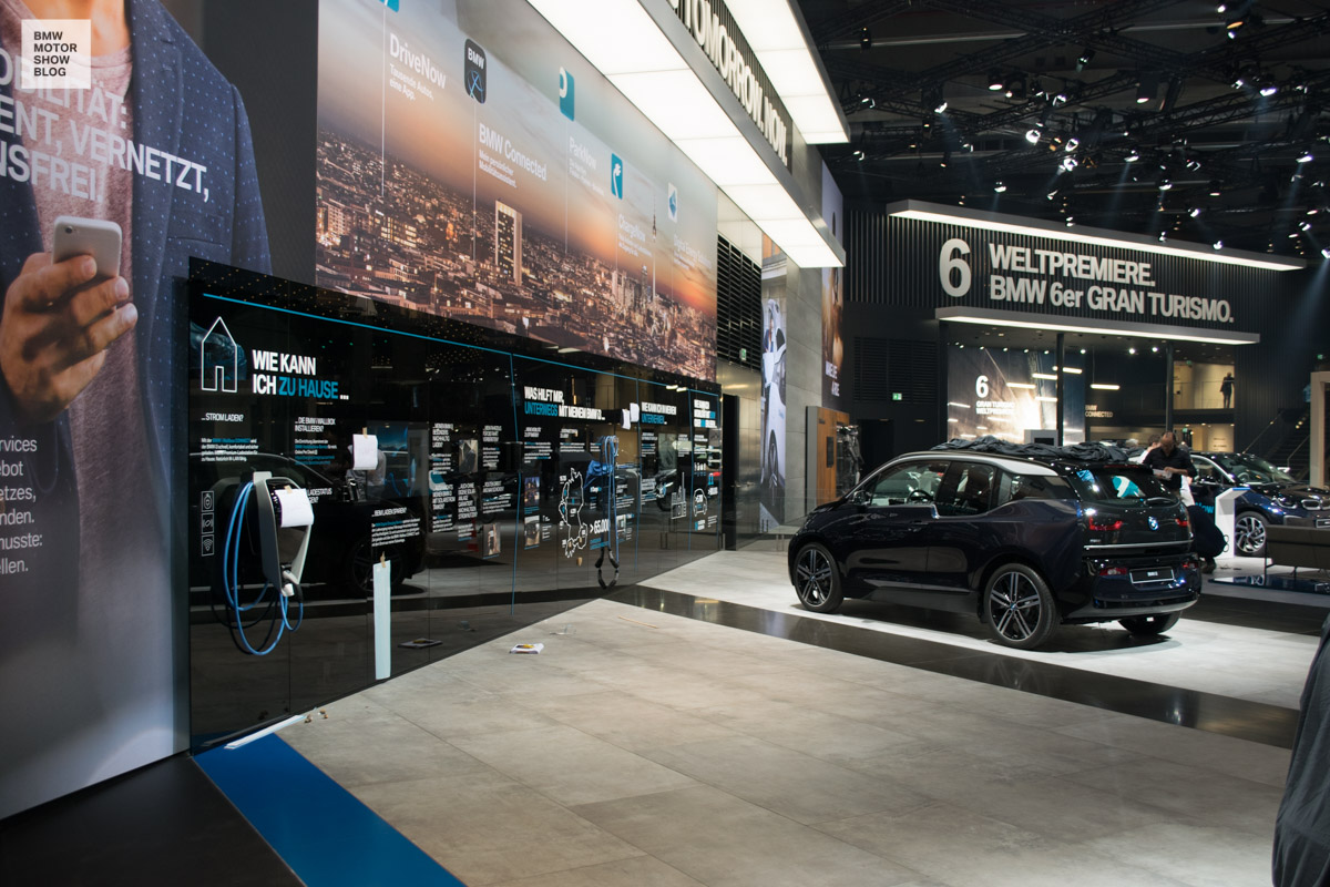 2017 - (Allemagne) Salon de Francfort / IAA Motor Show - Page 3 BMW-Messestand-IAA-2017-BMW-i-4