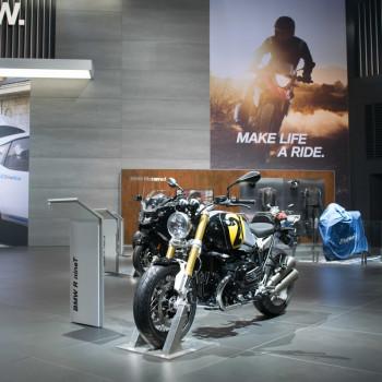 BMW-Messestand-IAA-2017-BMW-i-5