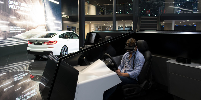 BMW Personal Copilot: Virtual Reality auf der IAA 2017 im Selbstversuch