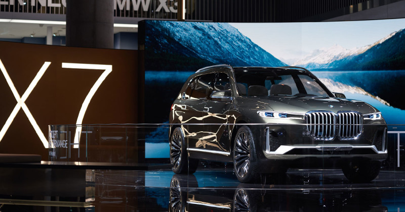 A closer look at the BMW Concept X7 iPerformance