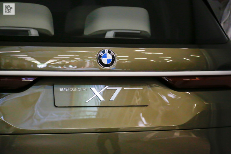 BMW at the IAA Cars - Preview - Loading in Munich - BMW Concept X7 iPerformance