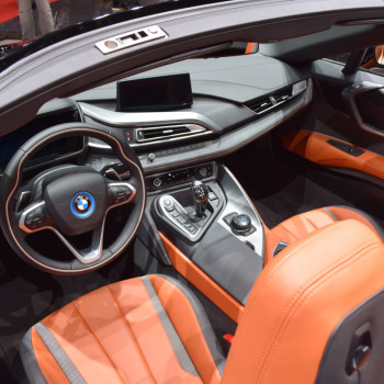 BMW-i8-Roadster-live-in-Genf-11