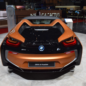 BMW-i8-Roadster-live-in-Genf-8