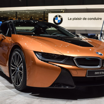 BMW-i8-Roadster-live-in-Genf-t