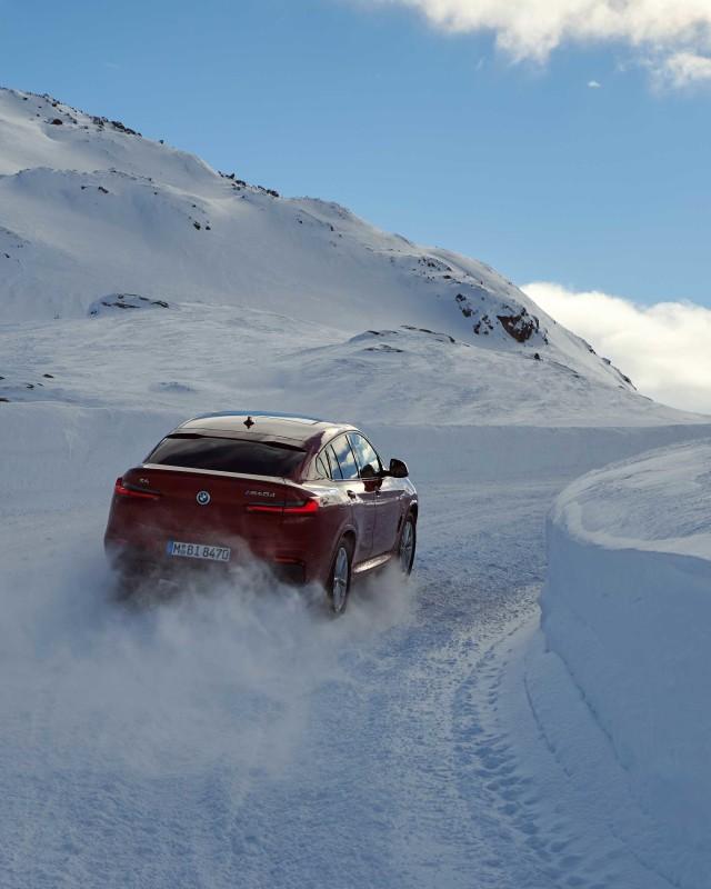 x4-snow-2
